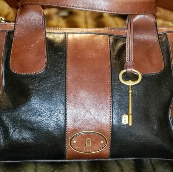 FOSSIL Handbags - FOSSIL VINTAGE LEATHER SATCHEL w/LEATHER WALLET